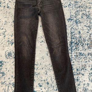 Levi's mid rise 711 skinny jean black washed